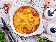 Рецепта Печени картофи с яйца, галета и сирене по селски на фурна